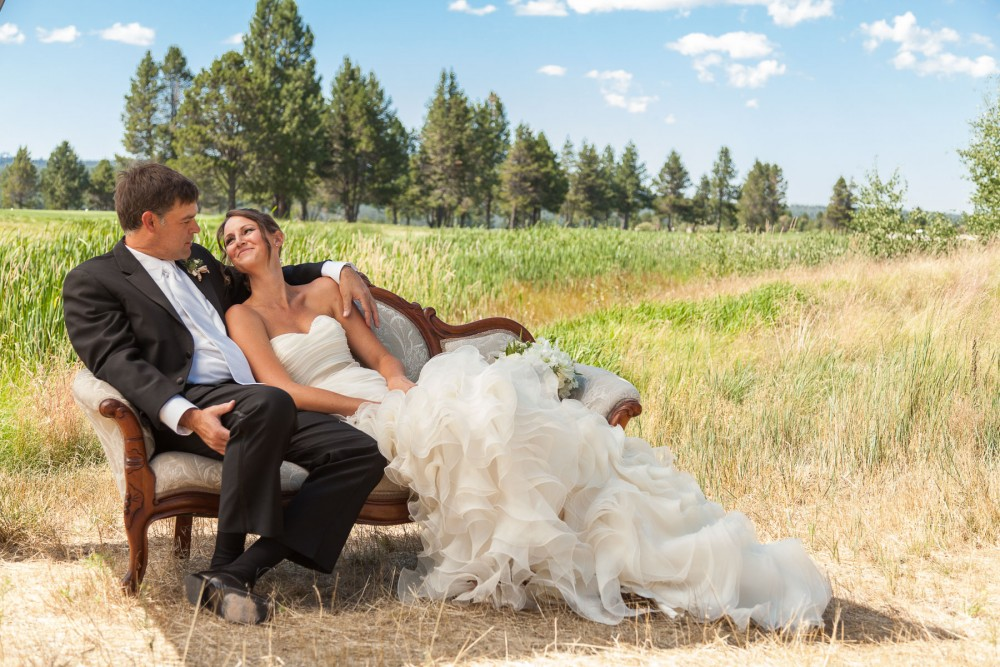 Kelly and Chris, Sunriver Oregon Destination Wedding Photographer