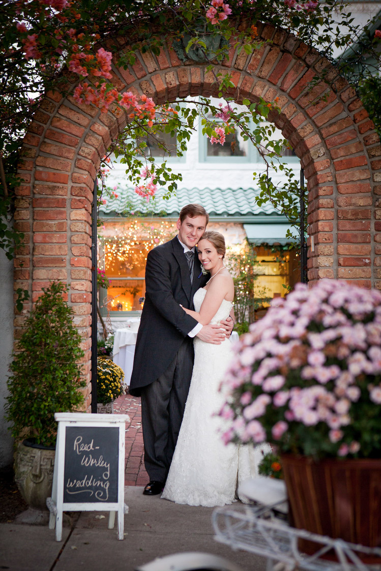 Hundreds-of-Moments-Wedding-Photography-Garden-Gate-Tea-Room-Mount-Dora-0070